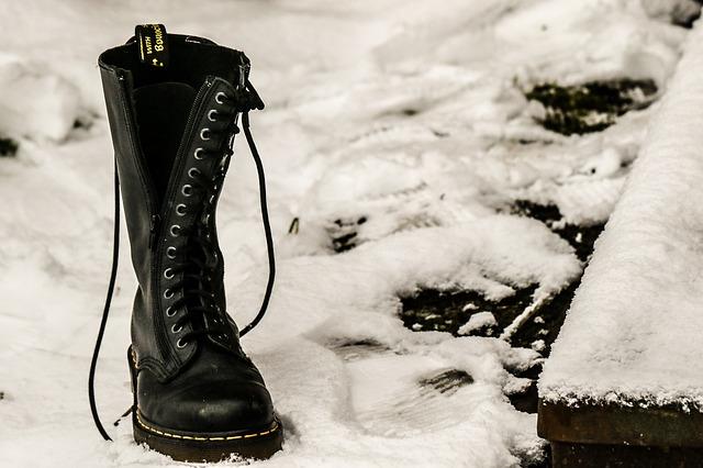 boty ve sněhu.jpg