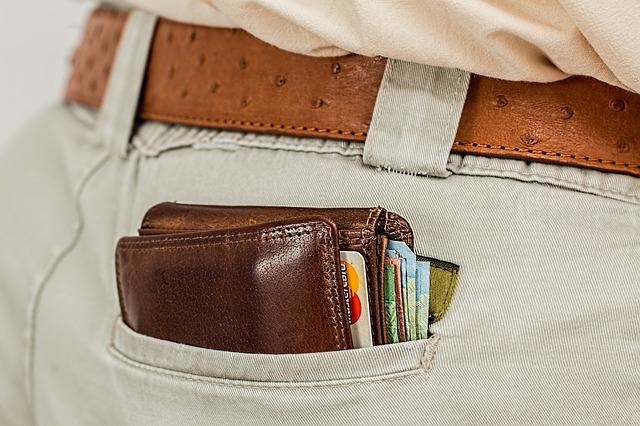 peněženka v zadní kapse
