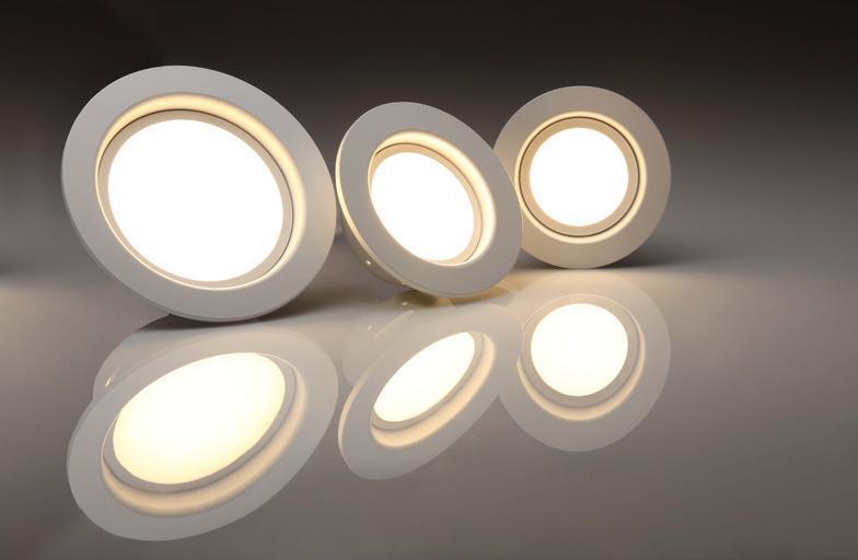 tři LEDky