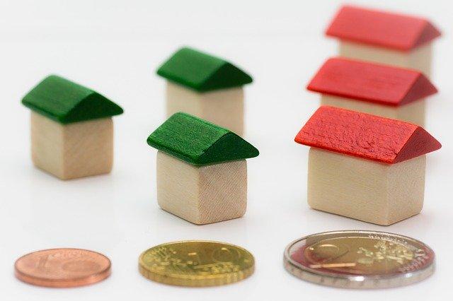 dřevěné domečky + eura