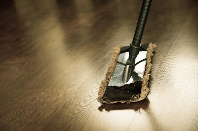 Mop na podlaze